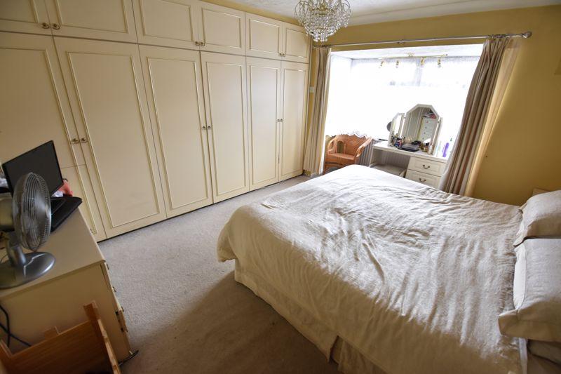 3 bedroom Semi-Detached  to buy in Silecroft Road, Luton - Photo 8