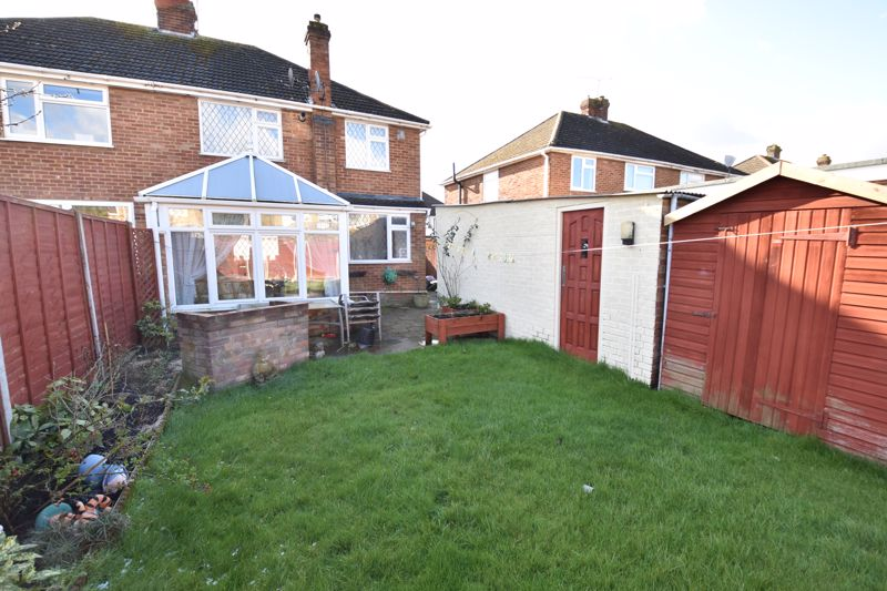 3 bedroom Semi-Detached  to buy in Silecroft Road, Luton - Photo 13