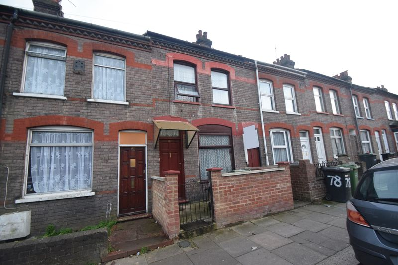3 bedroom Mid Terrace to buy in Althorp Road, Luton