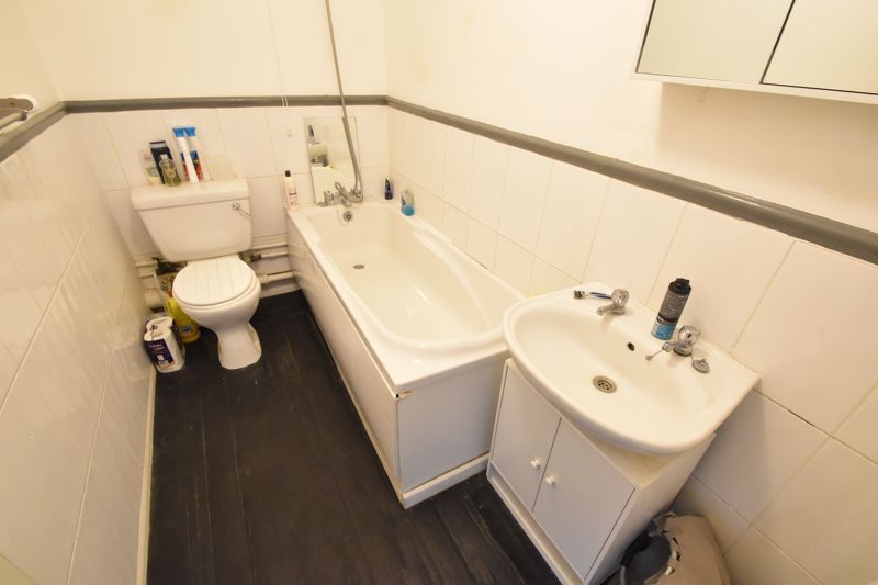 0 bedroom Flat to buy in High Street South, Dunstable - Photo 4