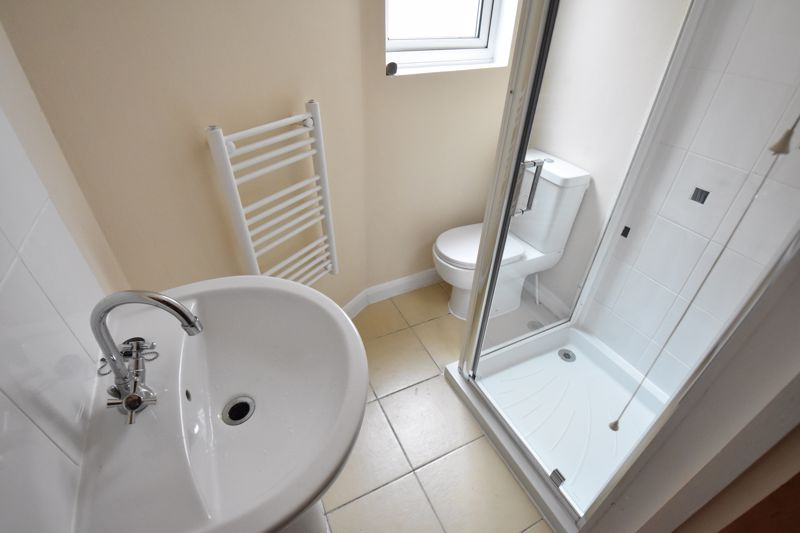9 bedroom Flat to buy in Frederick Street, Luton - Photo 8