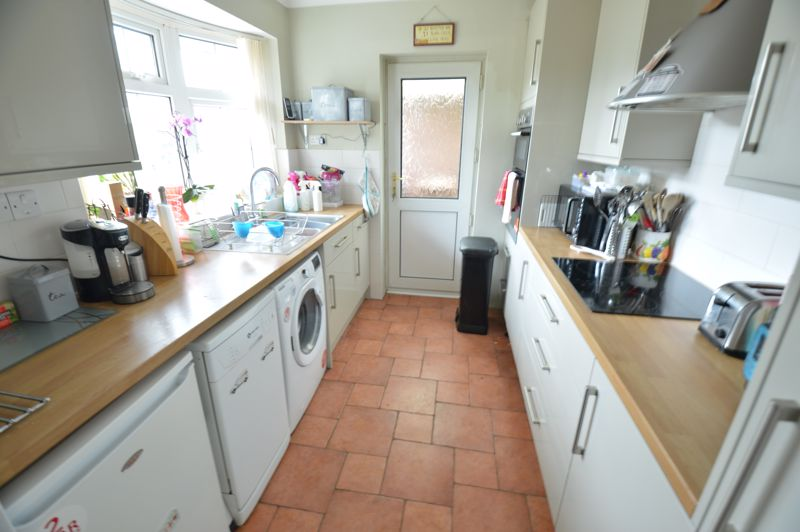 3 bedroom Bungalow to buy in Ashcroft Road, Luton - Photo 5