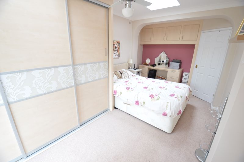 3 bedroom Bungalow to buy in Ashcroft Road, Luton - Photo 6