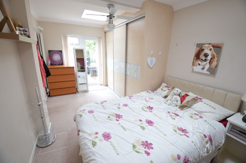 3 bedroom Bungalow to buy in Ashcroft Road, Luton - Photo 7