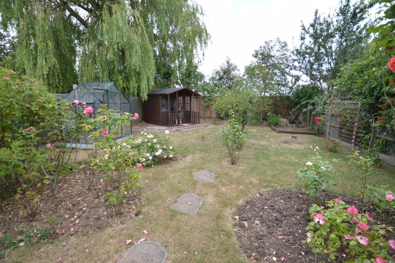 3 bedroom Bungalow to buy in Ashcroft Road, Luton - Photo 16