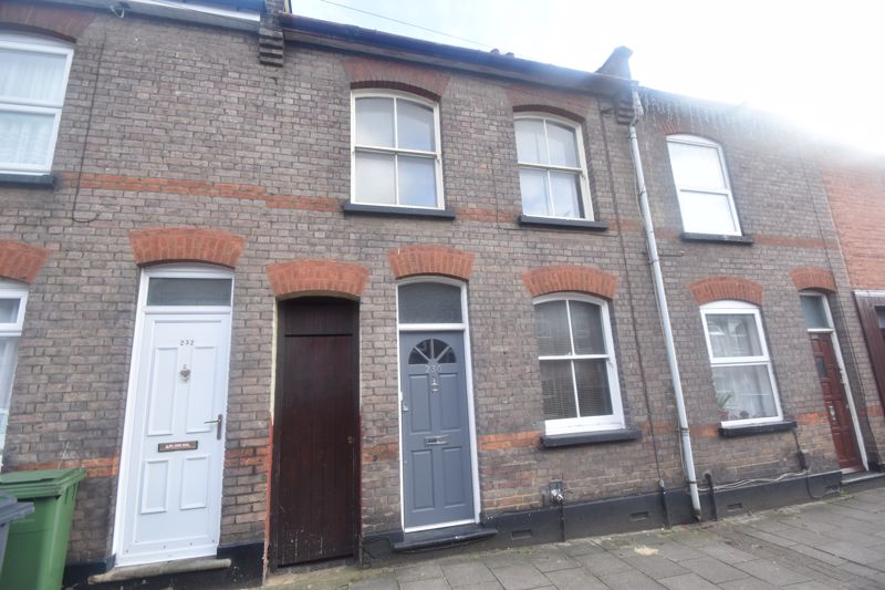 2 bedroom Mid Terrace to rent in North Street, Luton - Photo 1