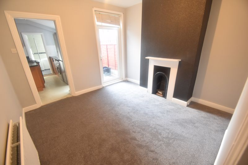 2 bedroom Mid Terrace to rent in North Street, Luton - Photo 8