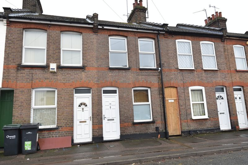 2 bedroom Mid Terrace to buy in Surrey Street, Luton