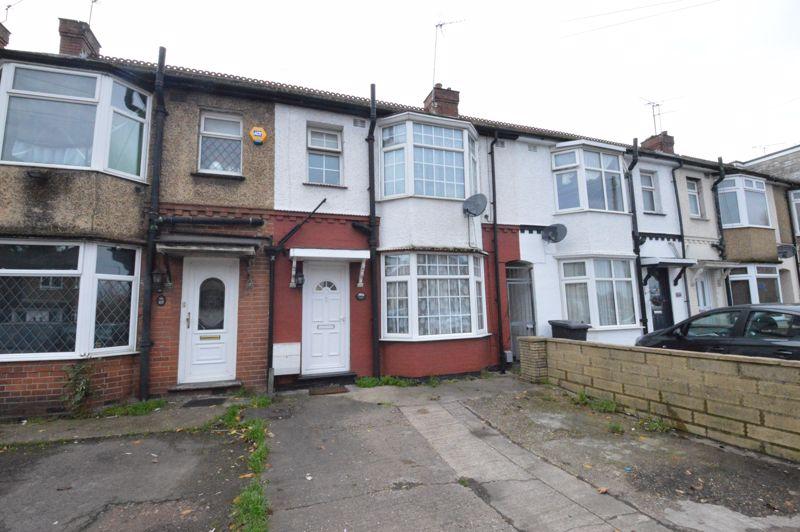 3 bedroom Mid Terrace to buy in Neville Road, Luton - Photo 1