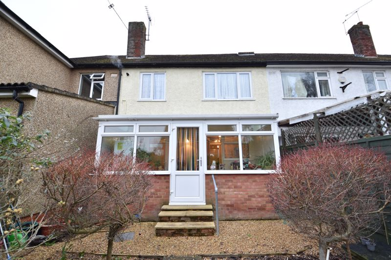3 bedroom Mid Terrace to buy in Browning Road, Luton - Photo 13