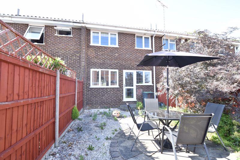 3 bedroom  to buy in Heath Close, Luton - Photo 3