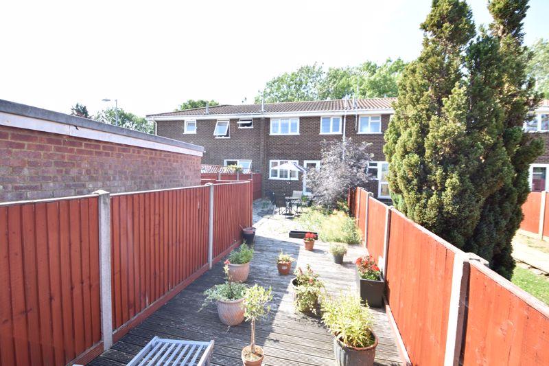 3 bedroom  to buy in Heath Close, Luton - Photo 6