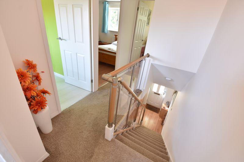 3 bedroom  to buy in Heath Close, Luton - Photo 10