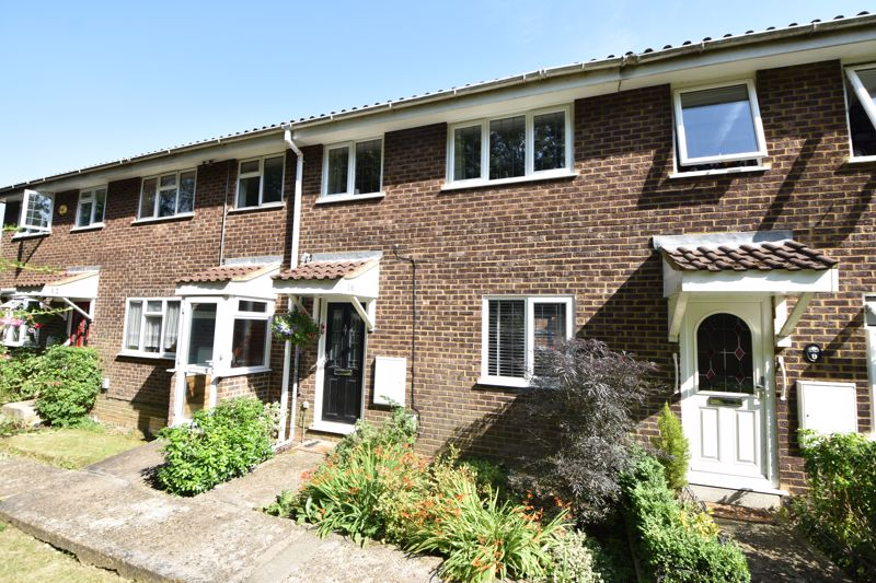 3 bedroom  to buy in Heath Close, Luton - Photo 14