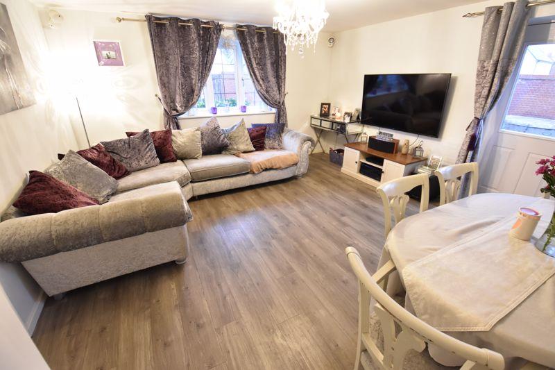 3 bedroom Semi-Detached  to buy in Hazel Grove, Bedford - Photo 4