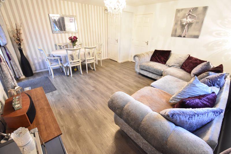3 bedroom Semi-Detached  to buy in Hazel Grove, Bedford - Photo 5