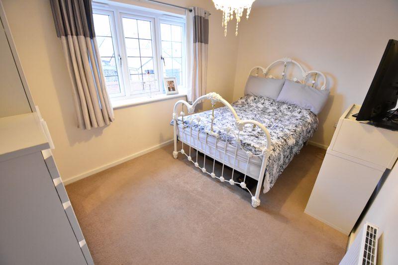 3 bedroom Semi-Detached  to buy in Hazel Grove, Bedford - Photo 8