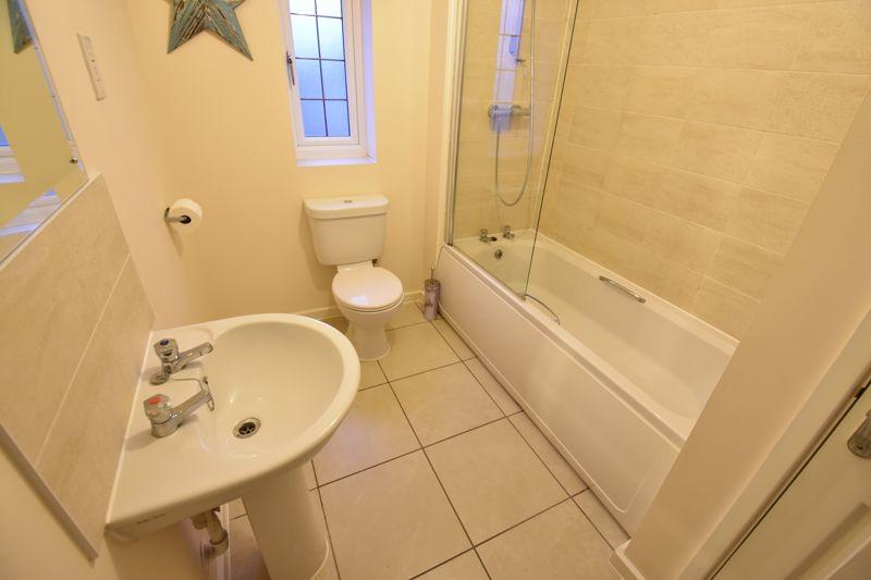 3 bedroom Semi-Detached  to buy in Hazel Grove, Bedford - Photo 11