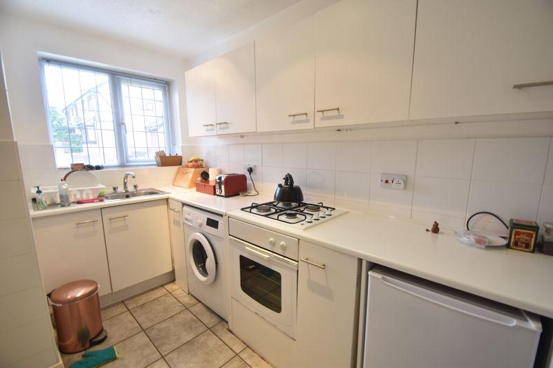 2 bedroom  to rent in Ennismore Green, Luton - Photo 4