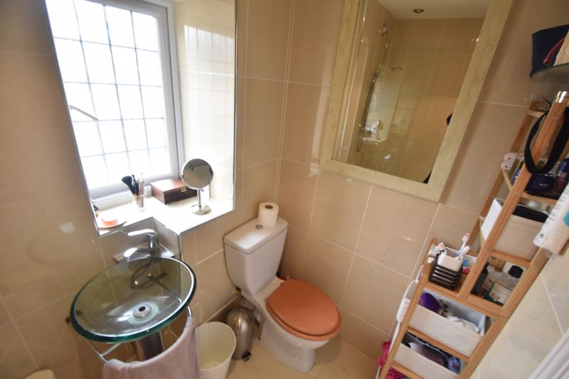 2 bedroom  to rent in Ennismore Green, Luton - Photo 9