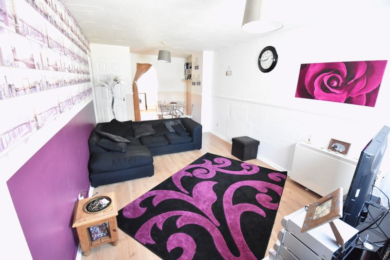 2 bedroom Maisonette to buy in Copenhagen Close, Luton - Photo 3