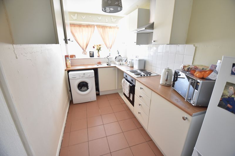 2 bedroom Maisonette to buy in Copenhagen Close, Luton - Photo 4