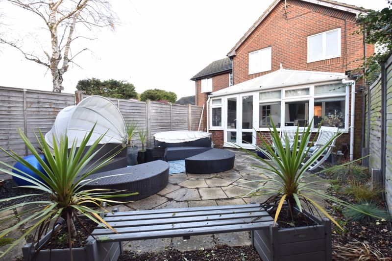 3 bedroom Mid Terrace to buy in Kimberwell Close, Toddington