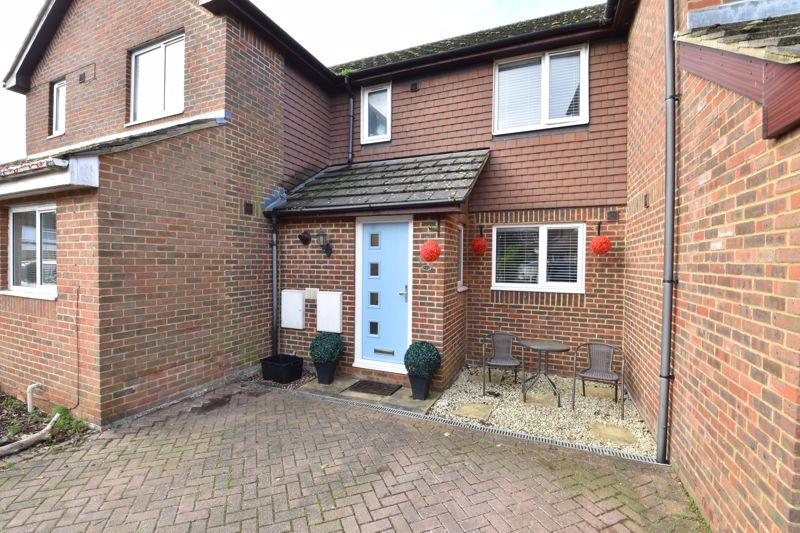 3 bedroom Mid Terrace to buy in Kimberwell Close, Dunstable
