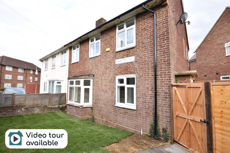 3 bedroom Semi-Detached  to rent in Abbey Drive, Luton - Photo 12