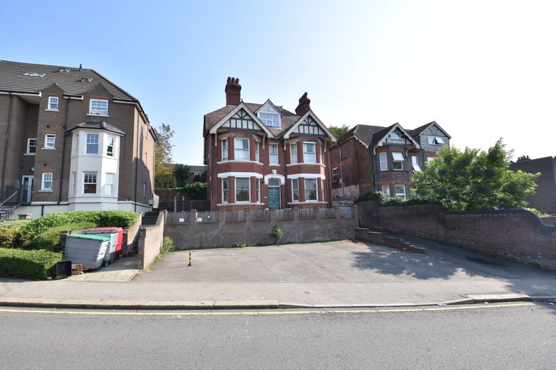 6 bedroom  to buy in High Town Road, Luton