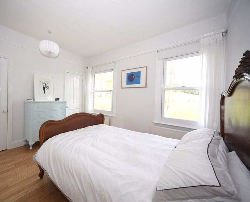 3 bedroom Semi-Detached  to rent in Havelock Road, Luton - Photo 1