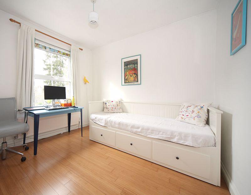 3 bedroom Semi-Detached  to rent in Havelock Road, Luton - Photo 5