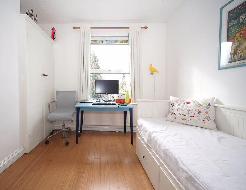 3 bedroom Semi-Detached  to rent in Havelock Road, Luton - Photo 6