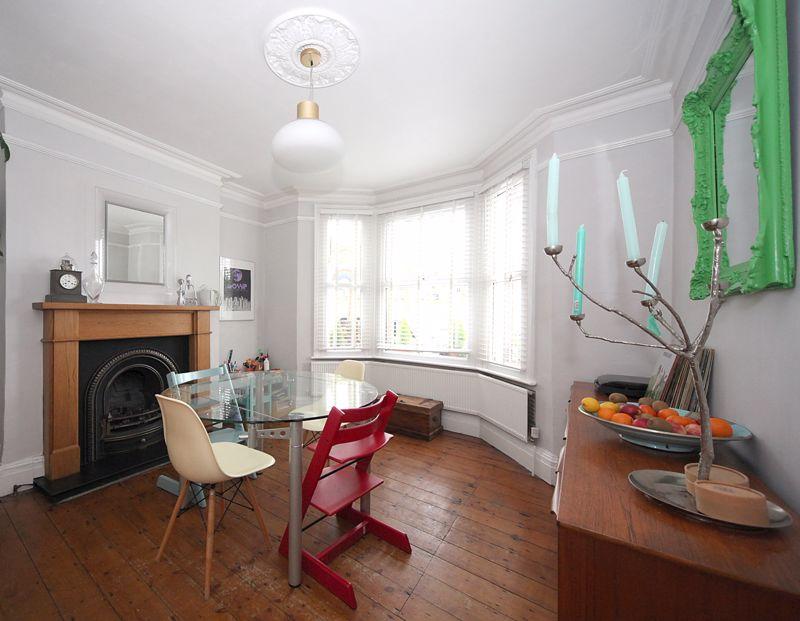 3 bedroom Semi-Detached  to rent in Havelock Road, Luton - Photo 9