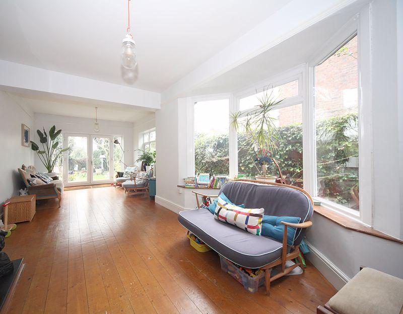 3 bedroom Semi-Detached  to rent in Havelock Road, Luton - Photo 14