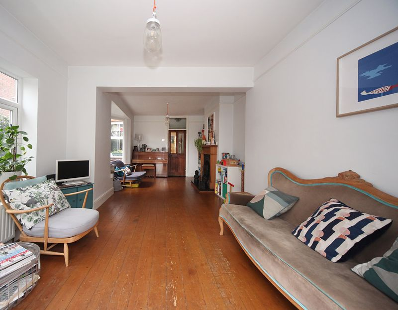 3 bedroom Semi-Detached  to rent in Havelock Road, Luton - Photo 16