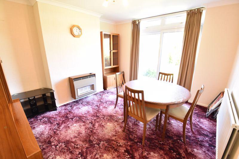 3 bedroom  to buy in Greenways, Luton - Photo 5