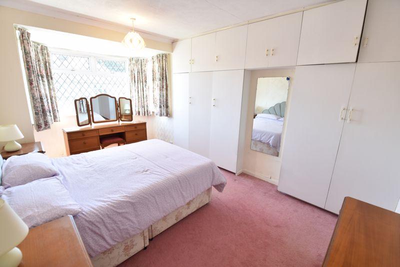 3 bedroom  to buy in Greenways, Luton - Photo 9