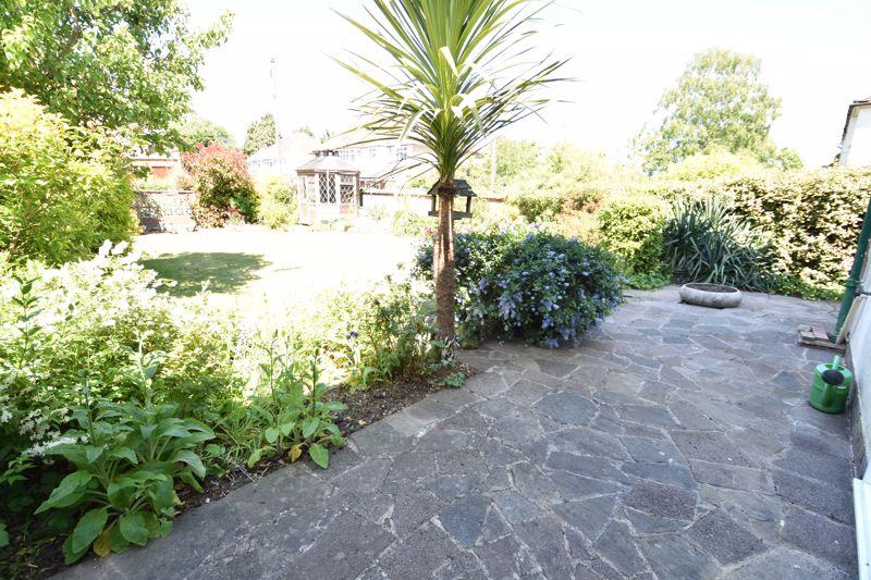 3 bedroom  to buy in Greenways, Luton - Photo 12