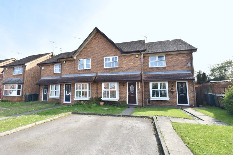 2 bedroom Mid Terrace to buy in Sacombe Green, Luton