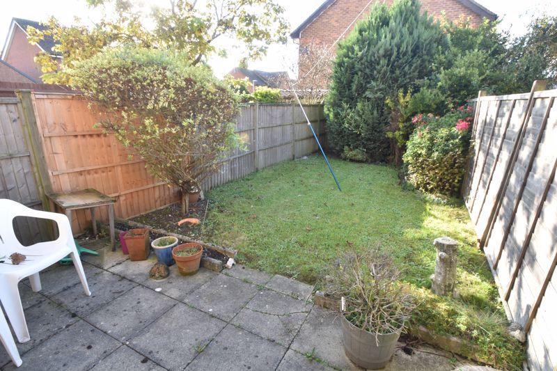 2 bedroom Mid Terrace to buy in Spurcroft, Luton - Photo 2