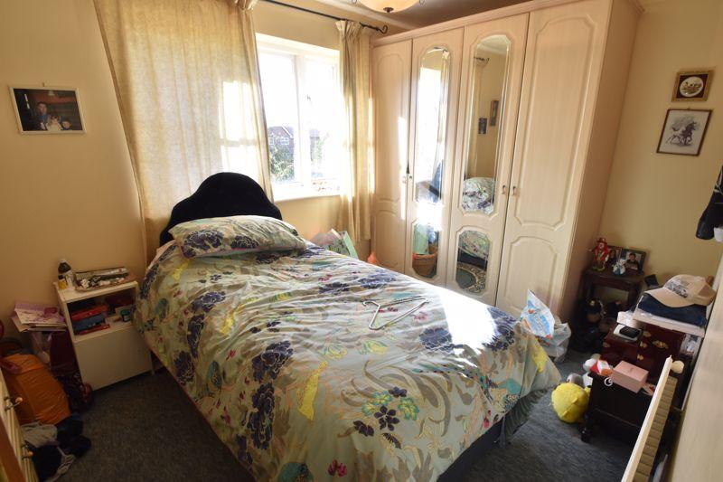 2 bedroom Mid Terrace to buy in Spurcroft, Luton - Photo 6