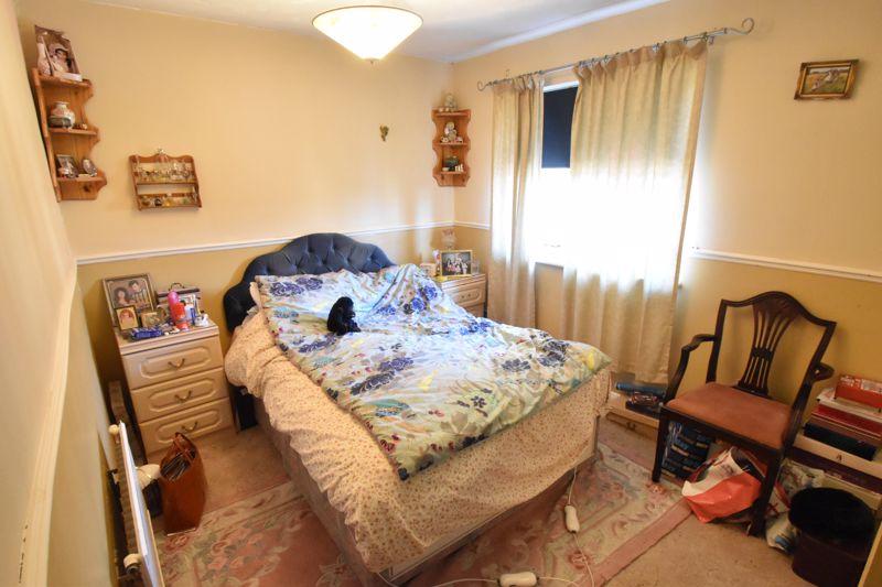 2 bedroom Mid Terrace to buy in Spurcroft, Luton - Photo 7