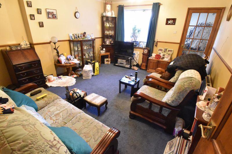 2 bedroom Mid Terrace to buy in Spurcroft, Luton - Photo 10