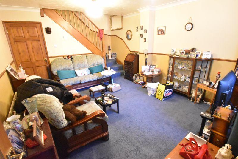 2 bedroom Mid Terrace to buy in Spurcroft, Luton - Photo 11
