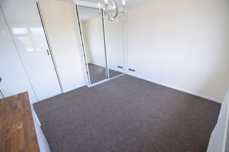 3 bedroom Semi-Detached  to rent in Beaconsfield, Luton - Photo 7