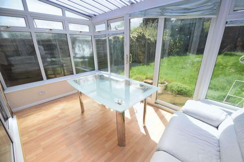 3 bedroom Semi-Detached  to rent in Beaconsfield, Luton - Photo 10