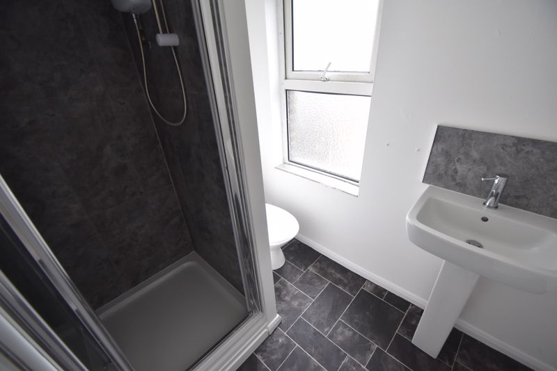 1 bedroom Flat to rent in 38 High Town Road, Luton - Photo 2