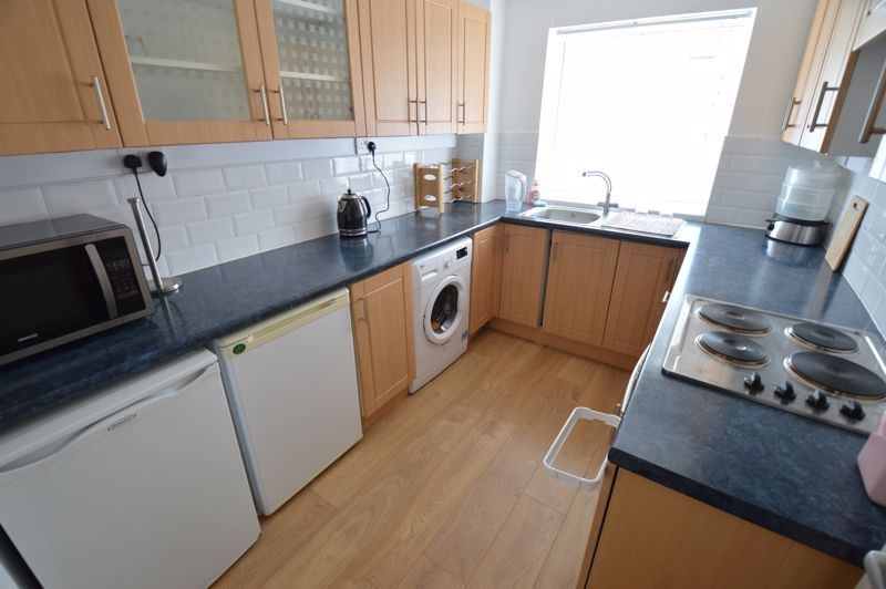 2 bedroom Flat to buy in Moulton Rise, Luton - Photo 2