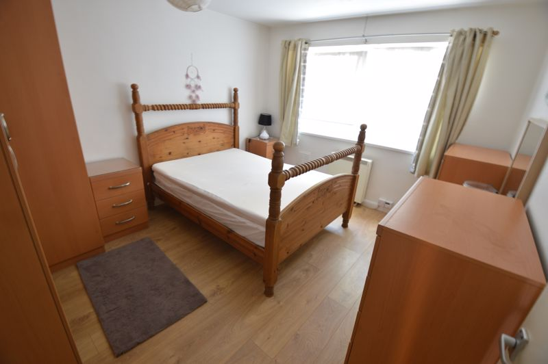 2 bedroom Flat to buy in Moulton Rise, Luton - Photo 3